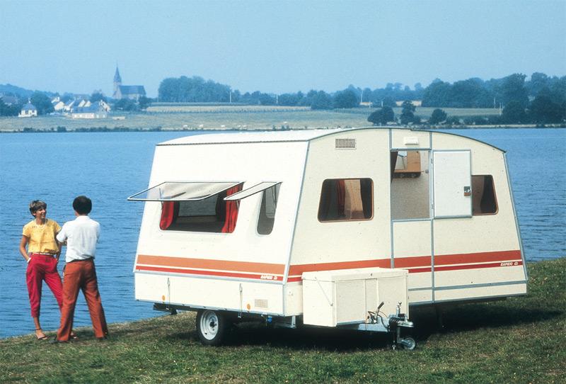 nos caravanes page 2. Black Bedroom Furniture Sets. Home Design Ideas